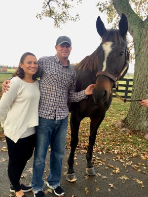 Sara and Jimmy Moore spend time with game American thoroughbred Zenyatta.