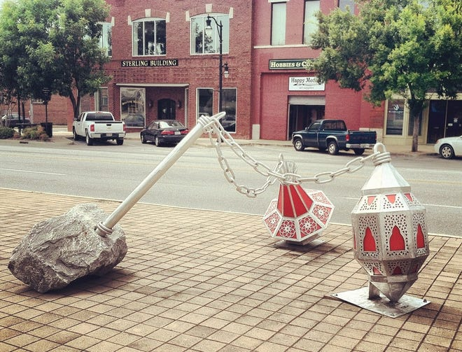 The Walnut Gallery is seeking applications to add new sculptures to the downtown Gadsden area and surrounding locations.