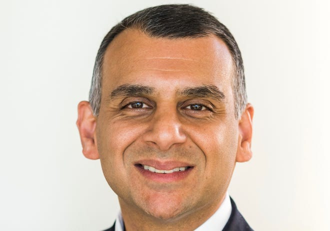 Dr. Sanjeev Aggarwal, chief of cardiovascular surgery at Beaumont Health.