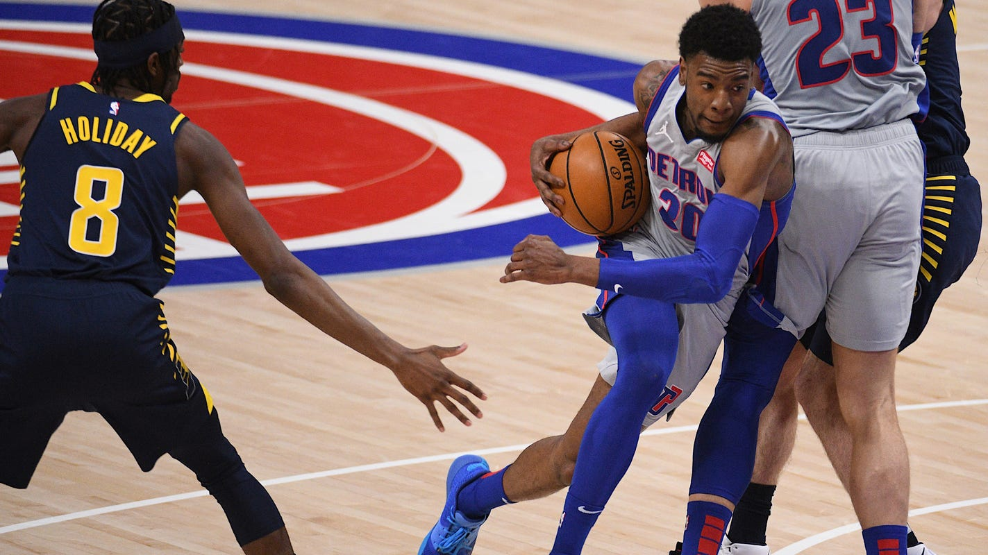 Detroit Pistons' cold night shooting spoils Dennis Smith Jr.'s debut; 111-95 loss to Pacers - Detroit Free Press