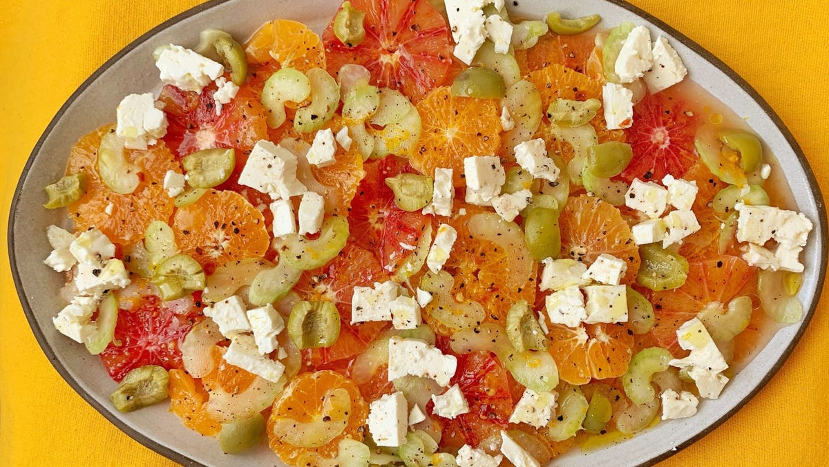 A salty, cold orange salad more refreshing than the fruit 2