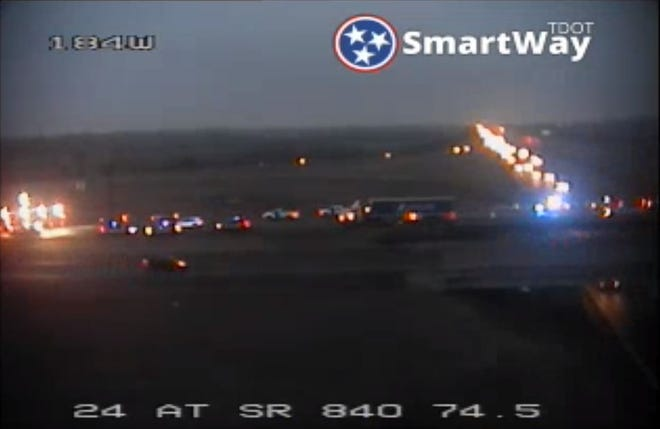 A multi-vehicle wreck has shut down Interstate 840 in both directions near the I-24 interchange in Murfreesboro.