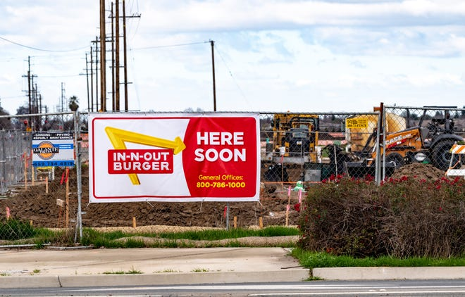 A new In-n-Out restaurant is under construction at Dinuba and Riggin in Visalia.