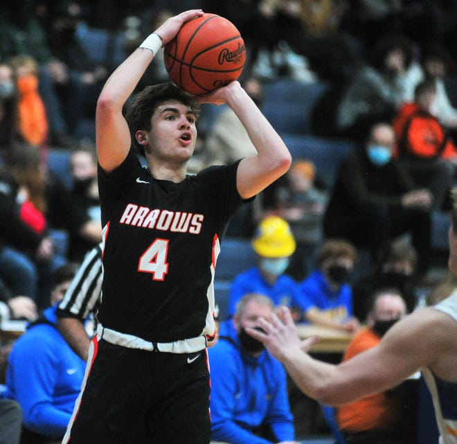 Ashland's Luke Denbow became the seventh Arrow to join the 1,000-career points club when he scored 25 in a win over Lexington.