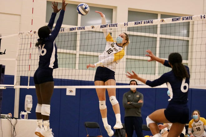 Kent State sophomore Morgan Copley had 15 kills in Friday's victory over visiting Akron.
