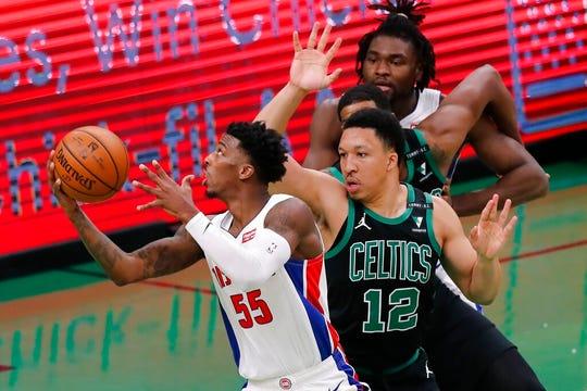 Detroit Pistons' Delon Wright (55) shoots against Boston Celtics' Grant Williams (12) during the second half.