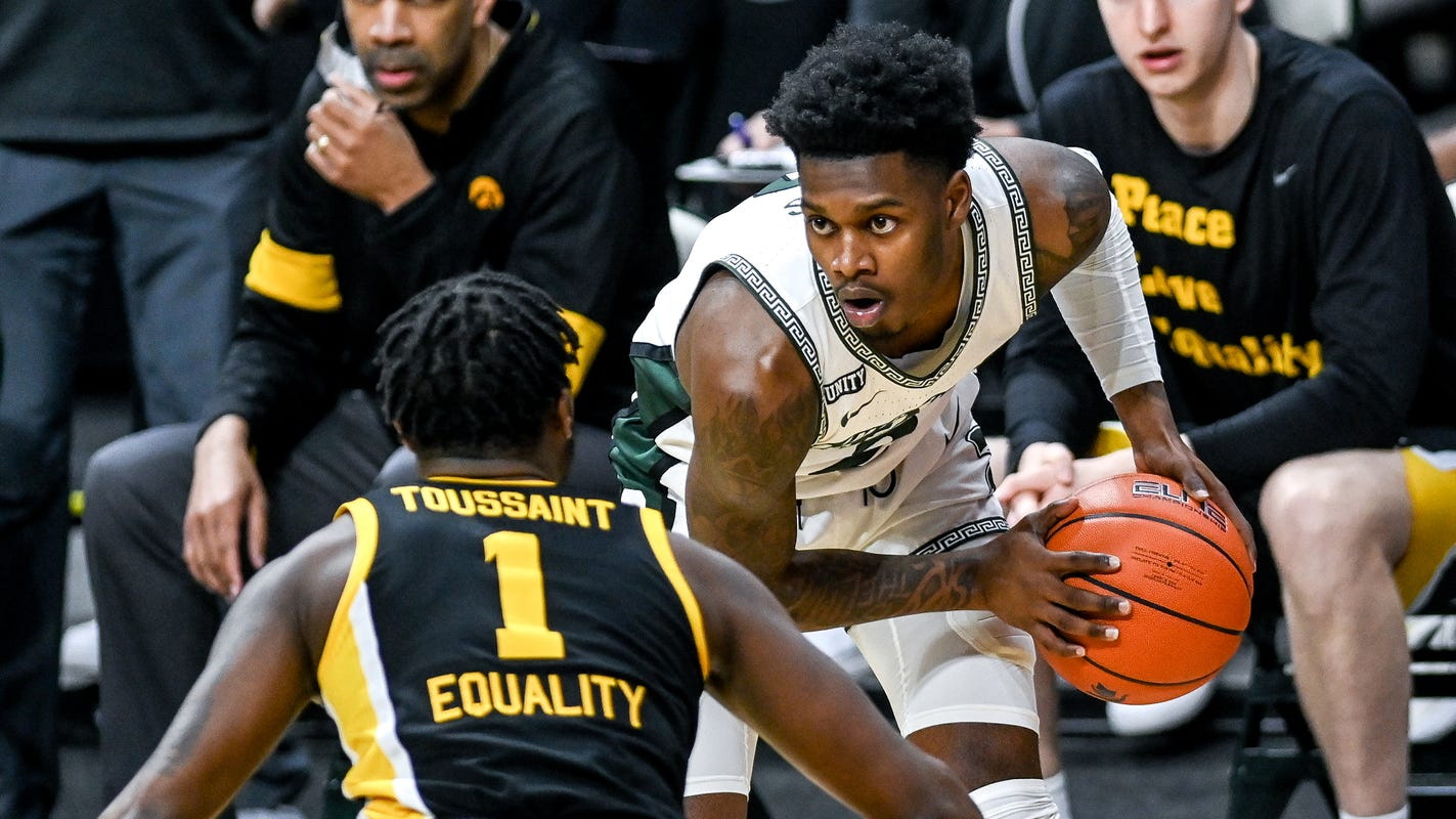 Why Michigan State basketball's Aaron Henry sat so long during blowout loss to Iowa - Detroit Free Press