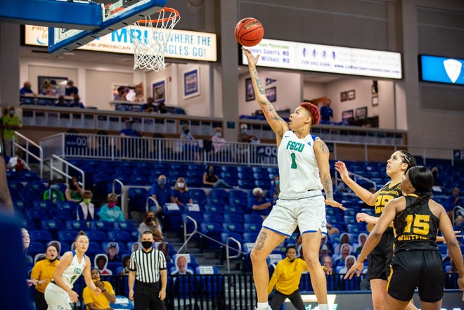FGCU's Kierstan Bell goes to the basket during the Eagles' 104-60 victory over Kennesaw State on Saturday, Feb. 13, 2021. Bell had 30 points.