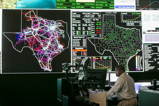 The Electric Reliability Council of Texas, ERCOT, held a media tour inside it's facility in Taylor, TX. Tuesday afternoon May 15, 2018. ERCOT System Operators work inside the massive control room updating electric use every five minutes. ERCOT manages the flow of electric power to 24 million Texas customers which represents about 90 percent of the state's electric load. As the independent system operator for the region, ERCOT schedules power on an electric grid that connects more than 46,500 miles of transmission lines and 570+ generation units. RALPH BARRERA / AMERICAN-STATESMAN