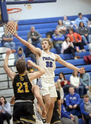 Boonville senior Charlie Bronakowski had another big night with a team-high 26 points in a 72-59 win over Sedalia Smith-Cotton. The win improved Boonville's record to 13-6 overall.