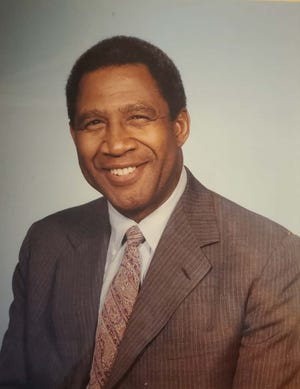 Aurealius Thomas, a former Ohio State football All-American who died at 86 on February 5, 2021.