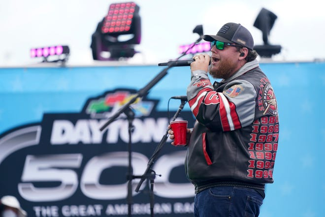 Combs will again perform the pre-race concert in 2022, this time in front of a full crowd.