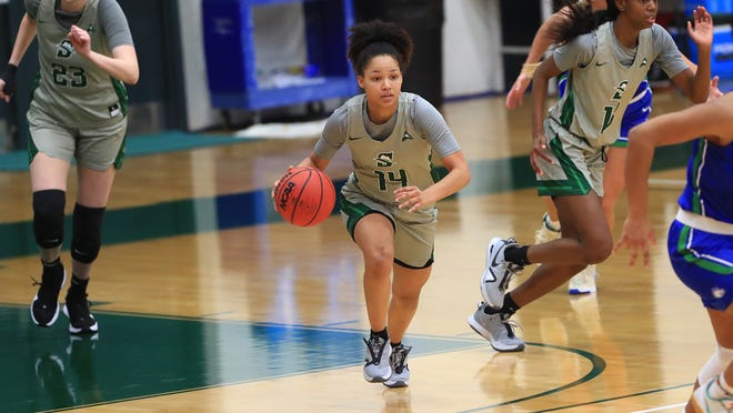 Kiya Turner led Stetson with a career-high 18 points in a loss to North Alabama on Sunday, Feb. 14, 2021, in DeLand