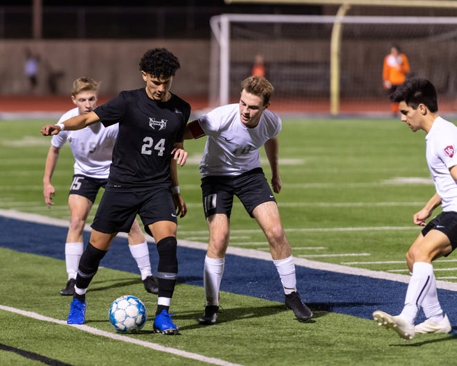 Hendrickson senior midfielder Xjavier Martinez scored five goals in three matches as the Hawks soared to the top of the District 18-5A standings.