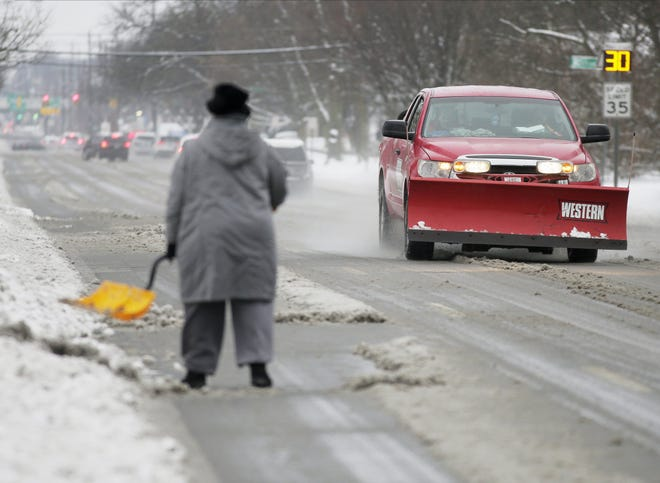 A giant winter storm was headed toward central Ohio Monday morning.