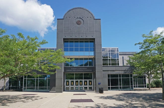 The part-time faculty at the University of Rhode Island has voted to join a new union. The photograph shows the Robert L. Carothers Library and Learning Commons at URI.
