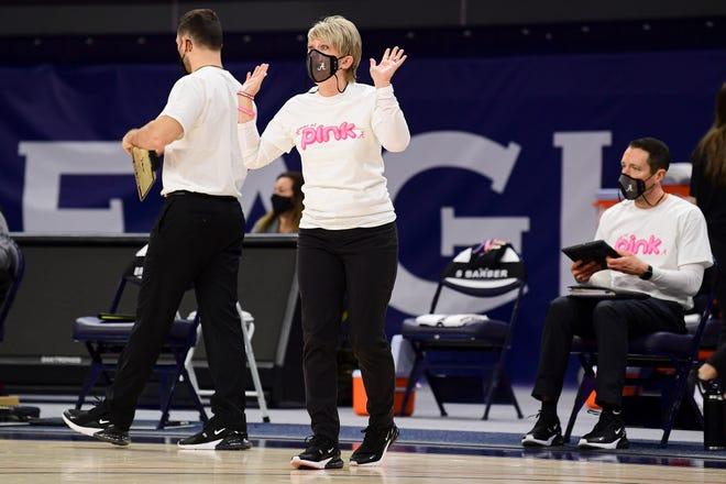 Feb 14, 2021; Auburn, AL, USA; Alabama Crimson Tide head coach Kristy Curry reacts during the game between Auburn and Alabama at Auburn Arena. Mandatory Credit: Shanna Lockwood/AU Athletics