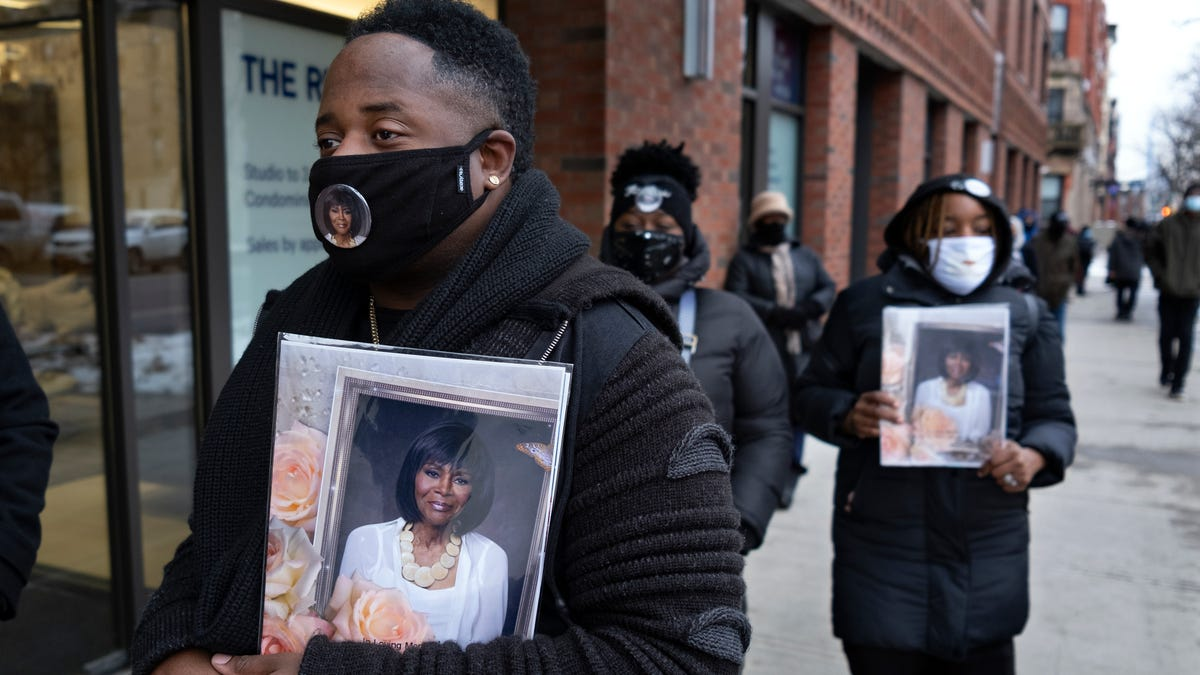 Hundreds pay respects to actor Cicely Tyson at her viewing 2
