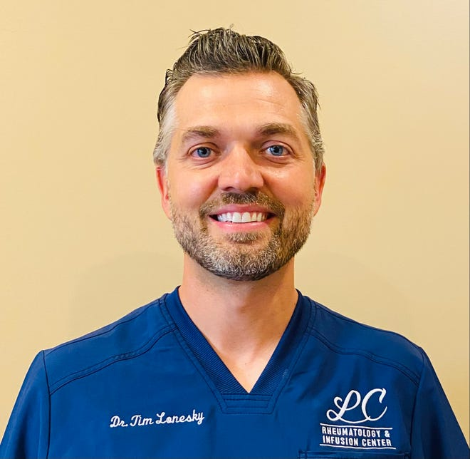 Dr. Timothy Lonesky is a rheumatology specialist and has been practicing medicine since 2004.