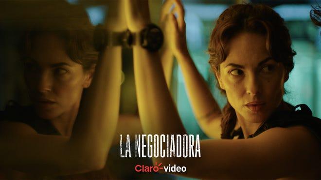 """""""La Negociadora"""" se puede a través de Pantaya en Estados Unidos y en México, por Claro Video."""