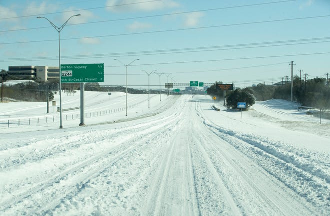 MoPac Boulevard near Barton Skyway was nearly devoid of traffic during February's extreme cold that left much of the state blanketed in snow and ice. Dozens of the power generation units that were knocked offline during the freeze had also sustained forced outages during a similar but less severe winter storm in 2011.