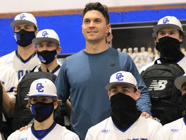 Pittsburgh Pirates' Adam Frazier brings gifts to Oconee County ...