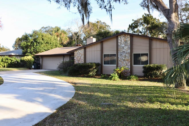 This nicely laid-out Ormond Beach home was designed to fit the demands of today's families.