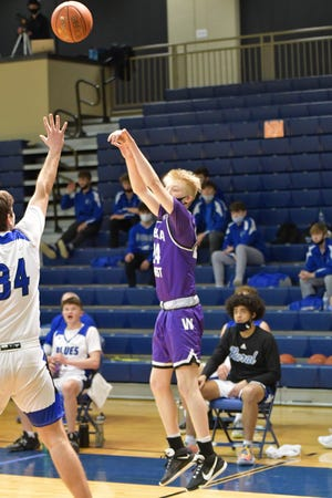 Topeka West's Zander Putthoff hit two big 3-pointers at the end of the first half that helped the Chargers to an 11-point halftime lead in what became a 66-46 West win at Washburn Rural on Monday. Putthoff finished with 14 points.