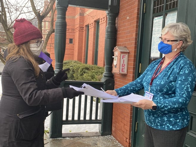 Sarha Bilodeau filed her nomination papers for Town Meeting and the four-year Housing Authority seat with Town Clerk Ellen O'Brien Cushman on Feb. 16, 2021.