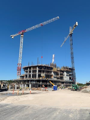 The Ronto Group announced that construction of its 27-floor Omega high-rise tower at Bonita Bay continues to progress at a rapid pace.