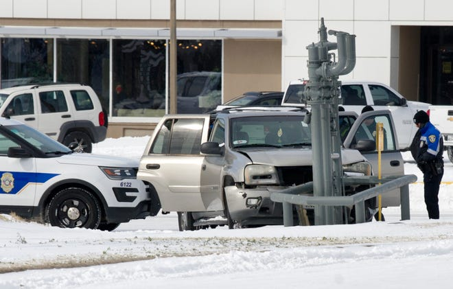 Wichita Falls police responded to a reported pin-in accident Tuesday morning on Kemp Boulevard.