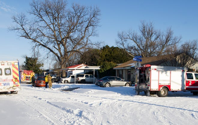 Wichita Falls firefighters responded to a report of a structure fire Monday afternoon at a house on Inglewood.