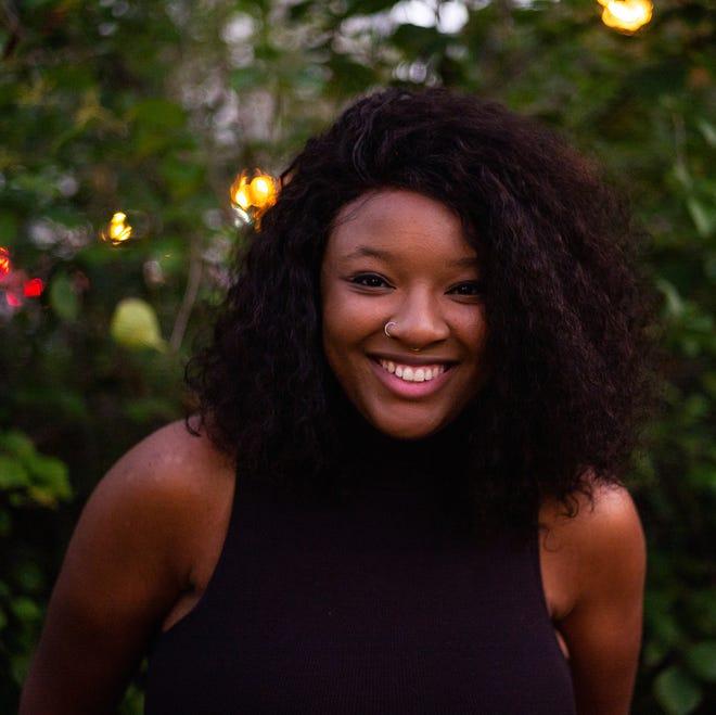 Author Leah Johnson