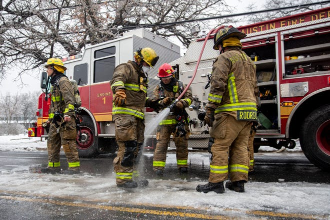 Austin firefighters tackled a house fire Wednesday that left two people dead, one critically injured and three others with minor injuries on East 12th Street. Some fire hydrants might  not be working in areas of the city that have been experiencing low or no water pressure, Austin fire officials said Wednesday.