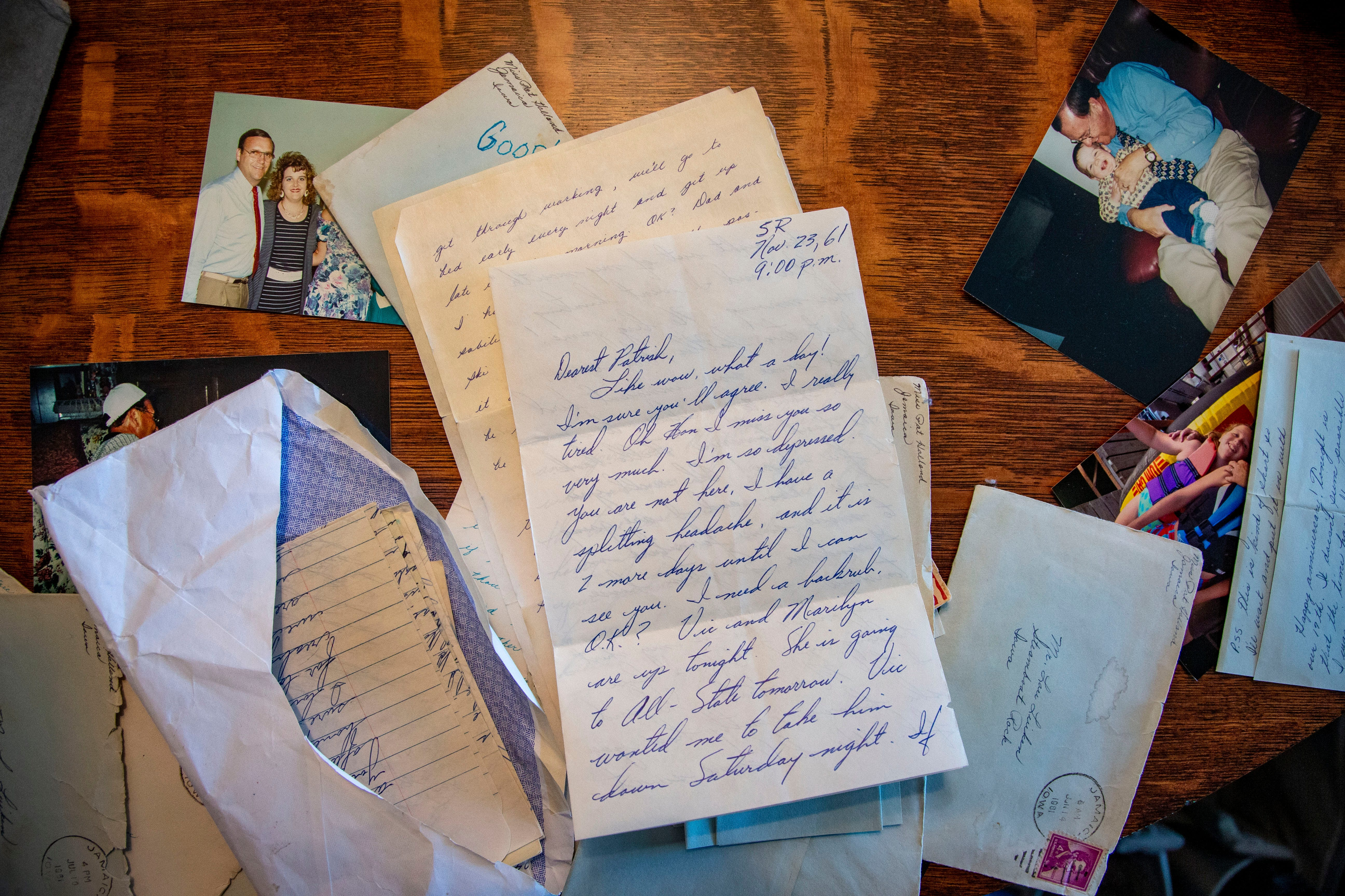 Suzanne Winkelpleck shares photos and love letters exchanged by her parents, Lou and Patty Luiken.