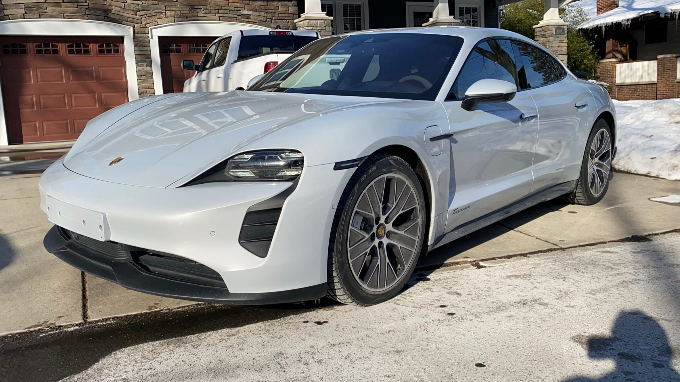 2021 Porsche Taycan RWD erases most differences between electric and gasoline vehicles