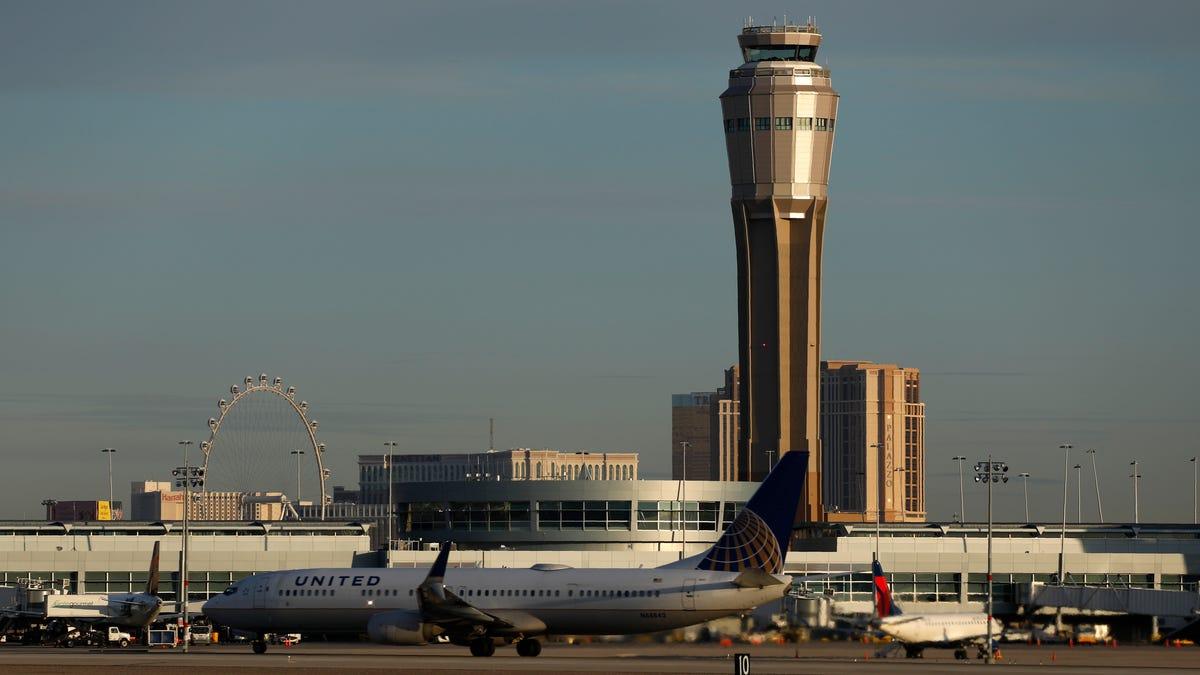 Vegas airport name change to honor former Sen. Harry Reid 3