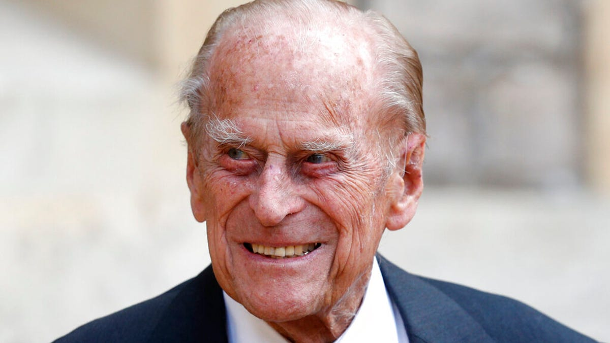 British queen's husband, Prince Philip, admitted to hospital 2