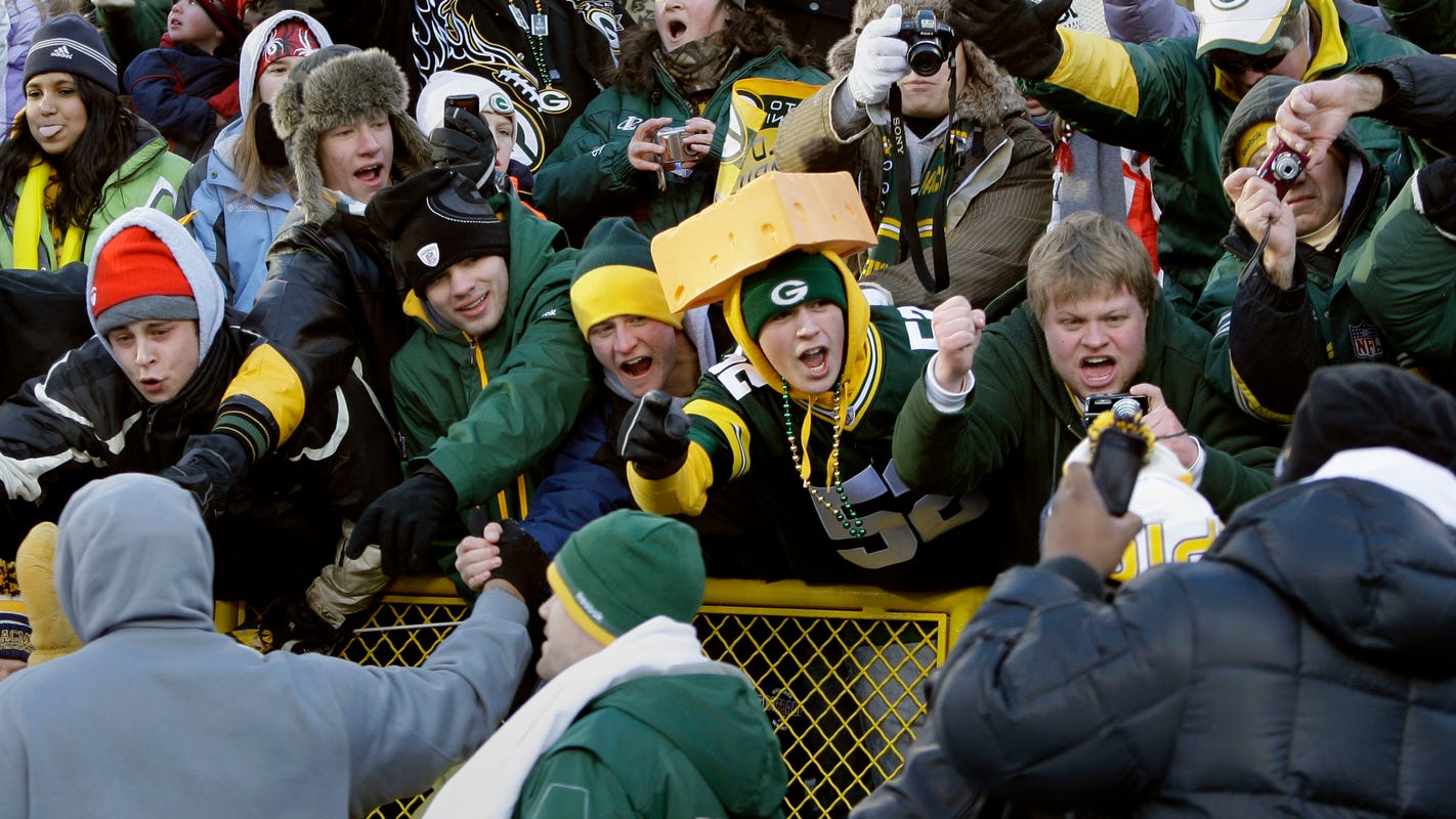 Packers hold ticket prices for 2021; Gold package gets extra game if NFL moves to 17 game season