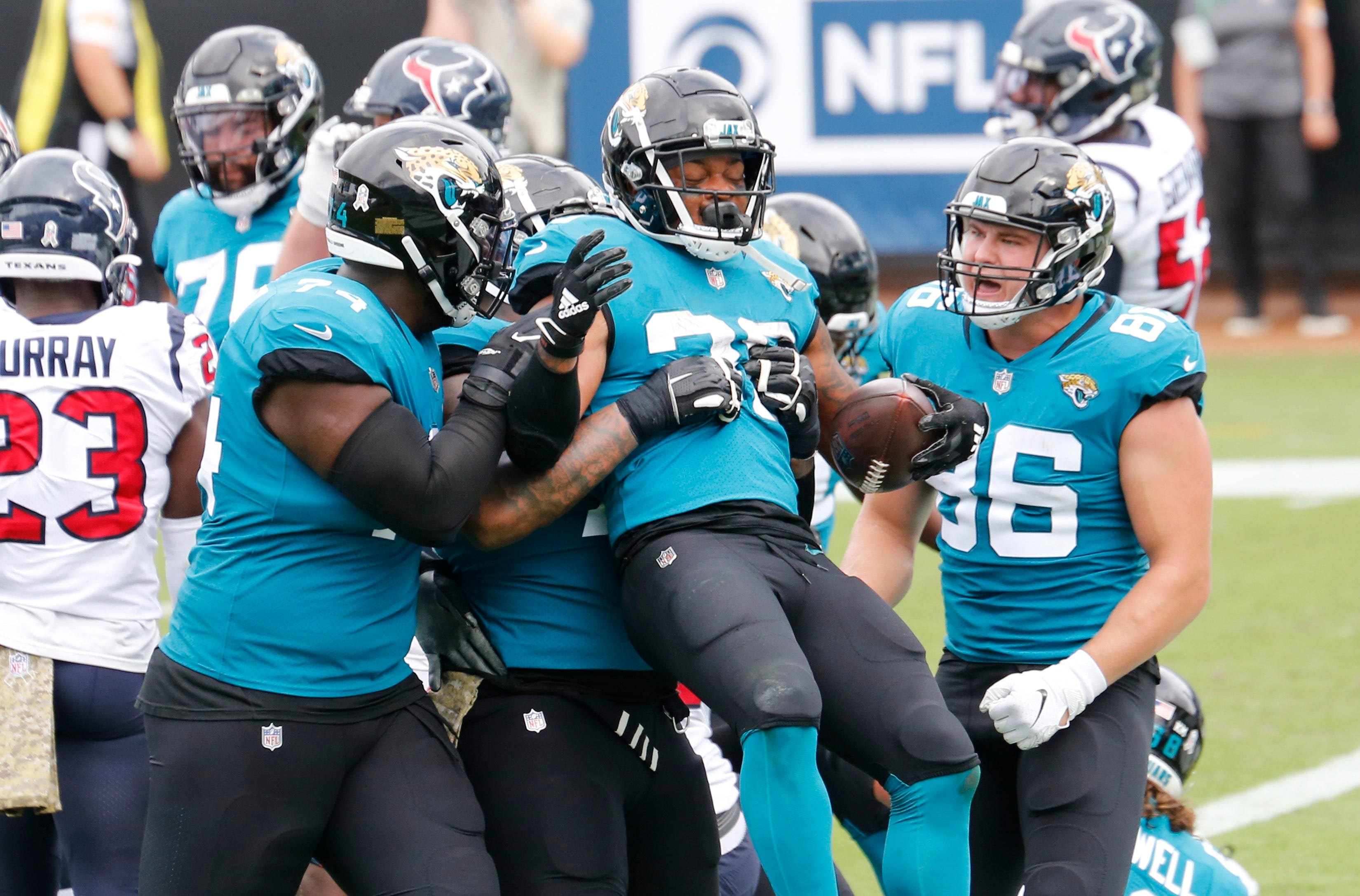 Jacksonville Jaguars reverting to teal as primary home jersey color