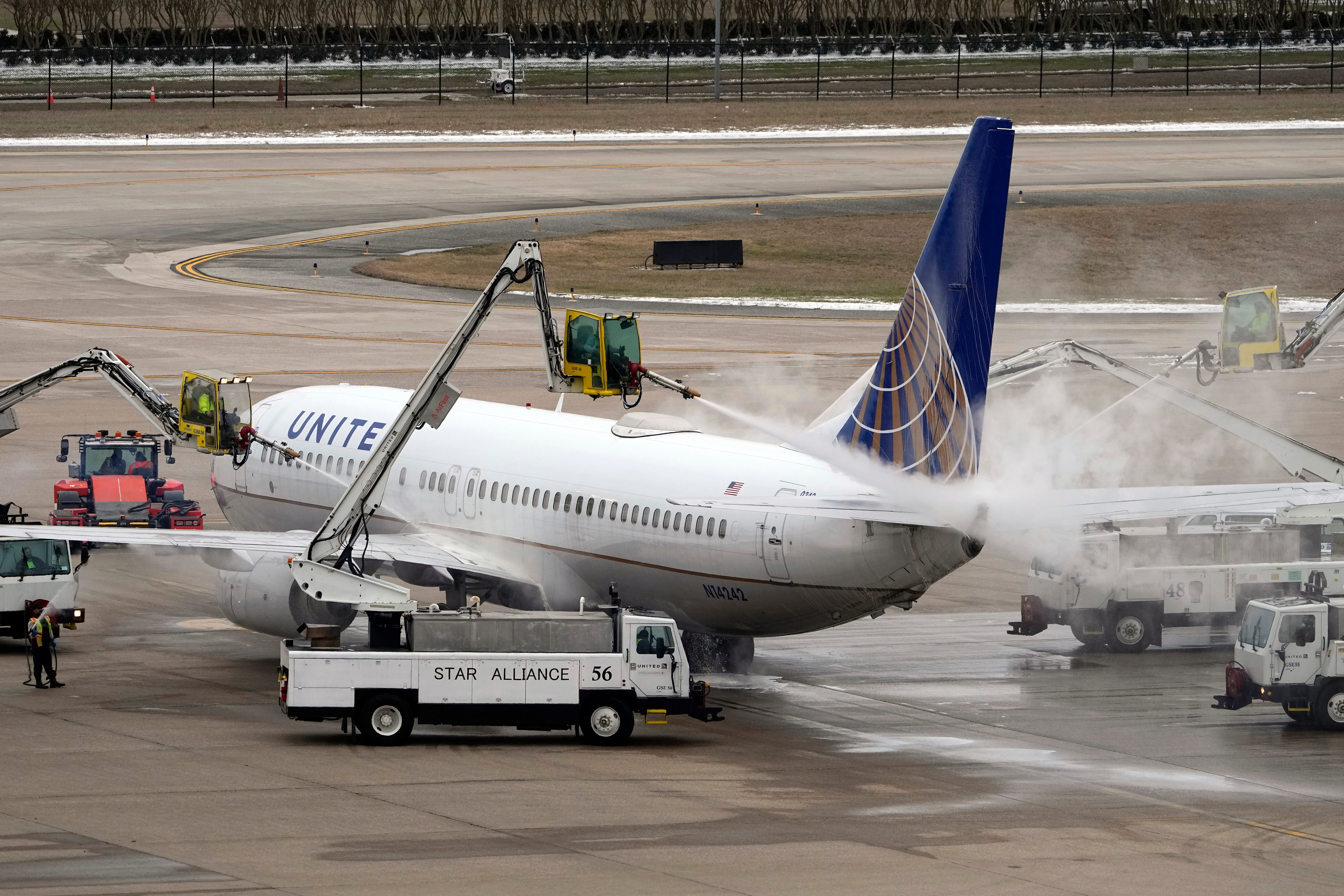 Winter storm: 2,200 flights canceled; new waivers for East Coast as Texas airports dig out