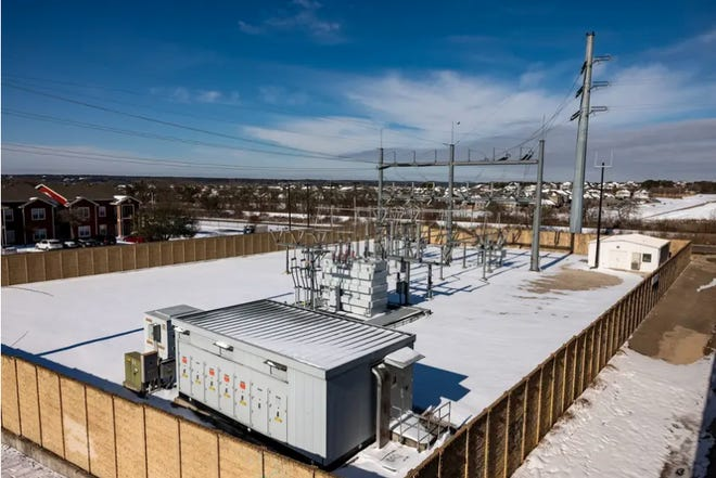 Energy and policy experts said Texas' decision not to require equipment upgrades to better withstand extreme winter temperatures, and choice to operate mostly isolated from other grids in the U.S. left power system unprepared for the winter crisis. Credit: Jordan Vonderhaar for The Texas Tribune