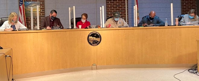 Flagler Beach city officials extended the mask mandate for another 60 days during Thursday's commission meeting.