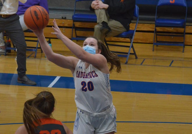 Saugatuck's Katie Ayers gets a pass before scoring against Fennville on Wednesday at Saugatuck.