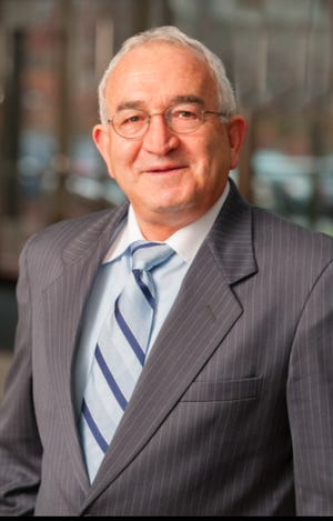 Zvi Shtifter, of Newton, has earned the designation of Five Star Wealth Manager.
