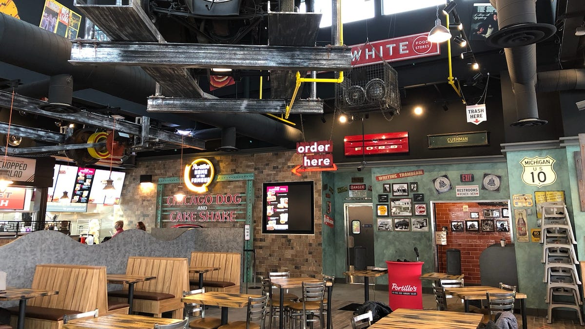 A look inside the new Portillo's, a Chicago-style hot dog restaurant in Sterling Heights 2