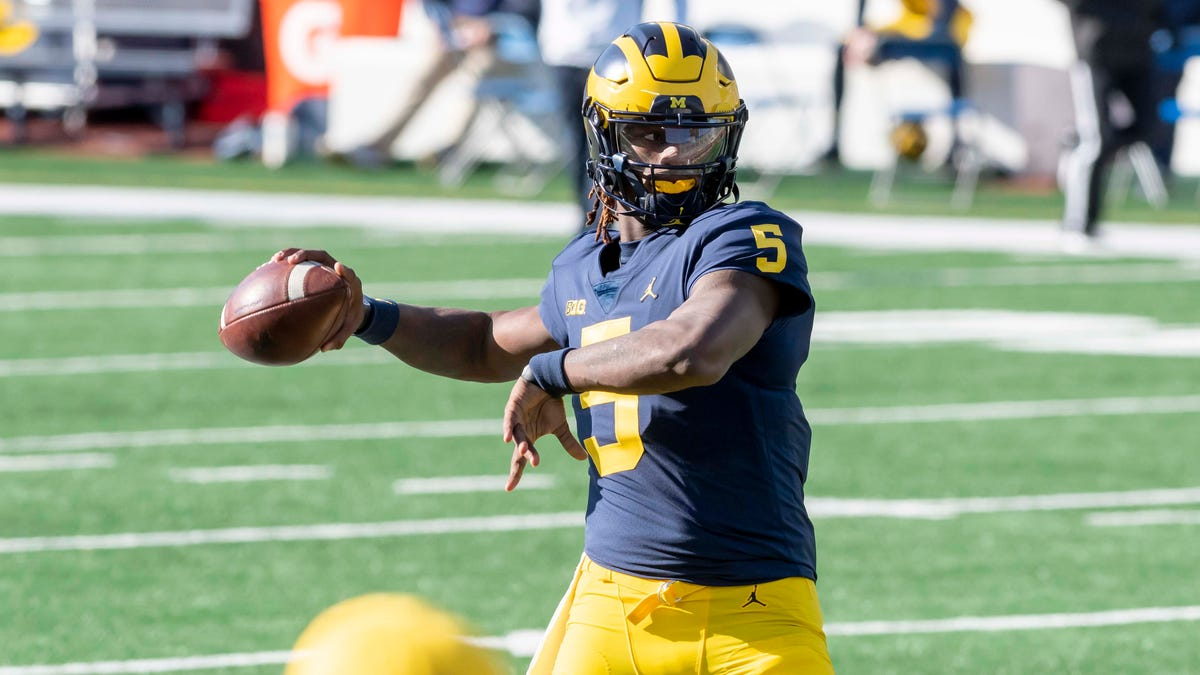 Michigan quarterback Joe Milton enters NCAA transfer portal 1