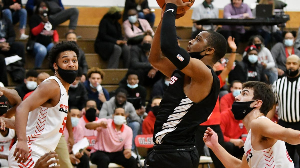 Wednesday's high schools roundup: Roper leads St. Mary's over Rodgers, Grand Blanc 2
