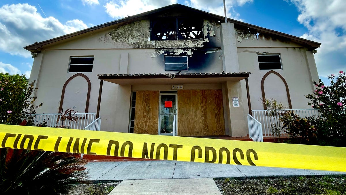 'When crisis happens, the denominational barriers disappear,' pastor says after fire destroys Fort Myers church 2