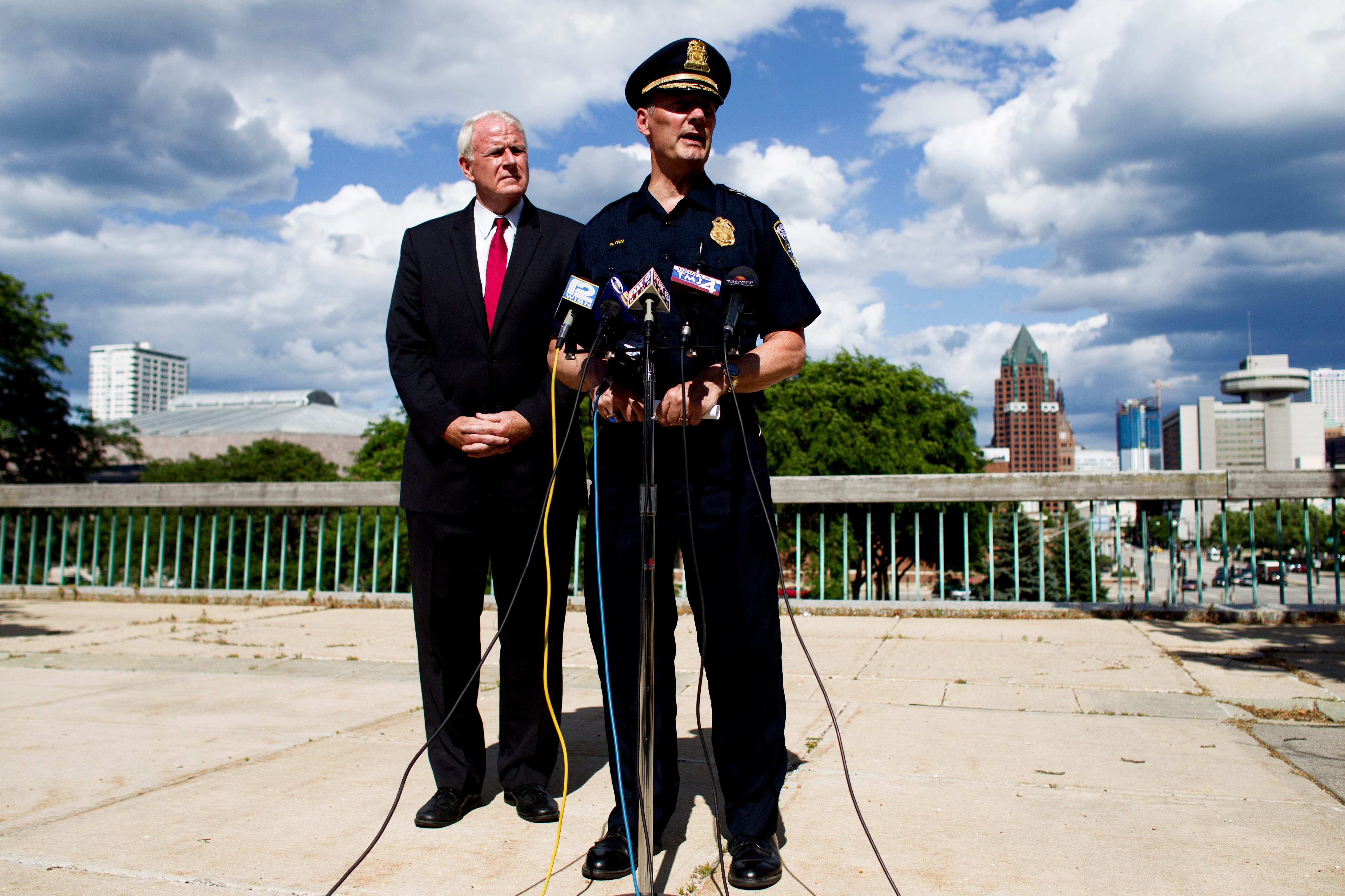 Milwaukee Police Chief Edward Flynn and Milwaukee Mayor Tom Barrett appeared together at a MacArthur Square news conference in 2016. Flynn retired less than two years later.